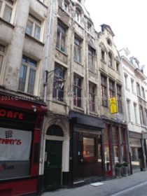 Rue des Eperonniers