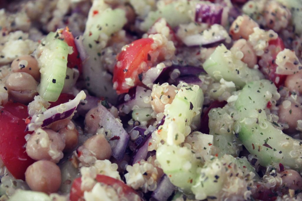 greek-quinoa-salad-7.jpg