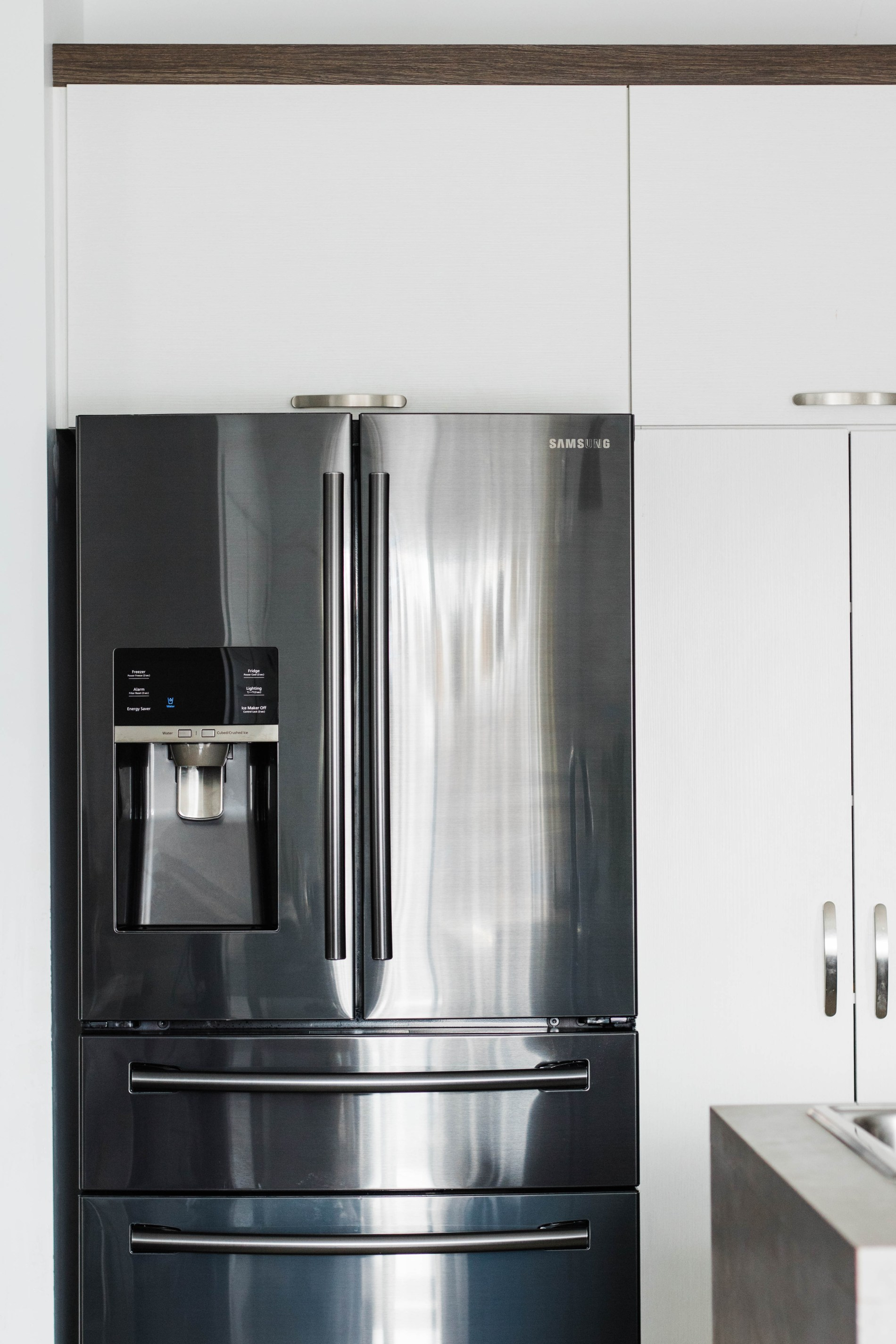 Kitchen Update— Black Stainless Steel Appliance. #samsung #kitchen #homedecor #kitchenphotography