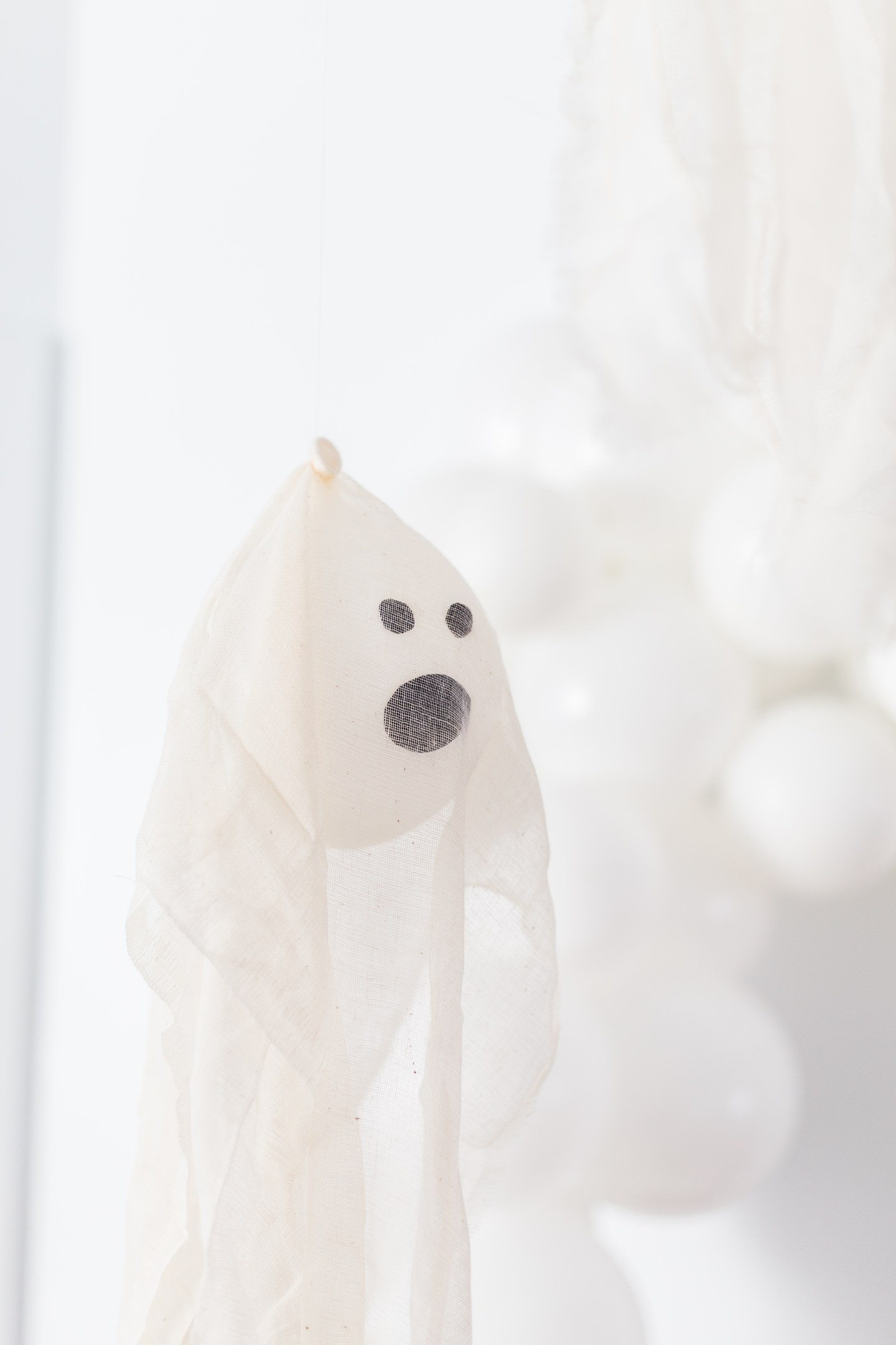 Life lately: Jude is 8 years old | Ghost kids party | #kidshalloweenparty #ghostparty #halloweendecor #ghostdecorations #modernhalloween