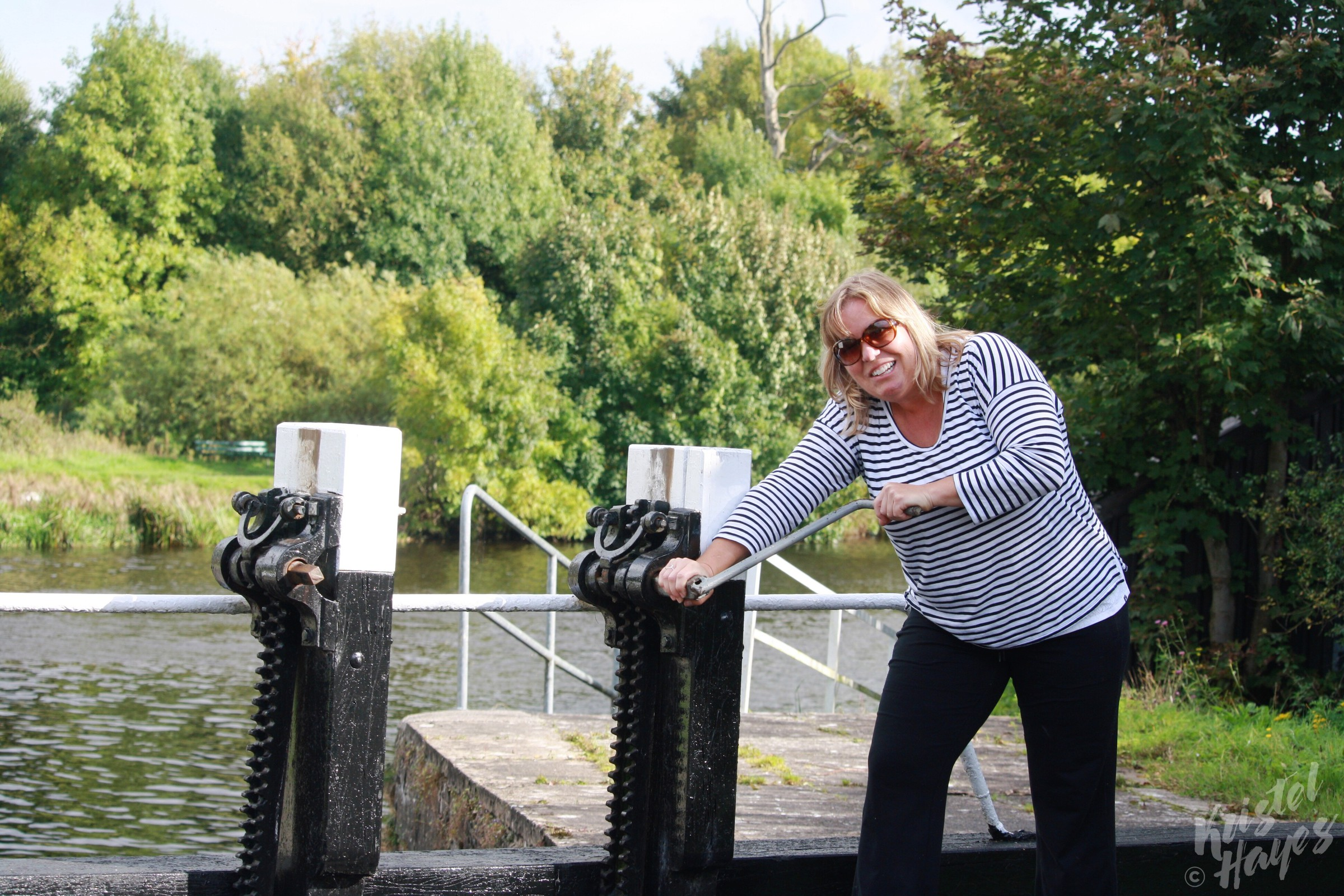 Kellie Sullivan Managing Lock-River Barrow, Ireland