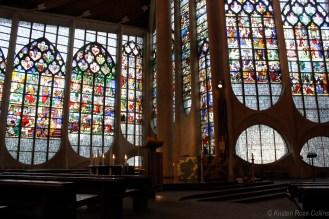 Inside L'église Sainte-Jeanne-d'Arc