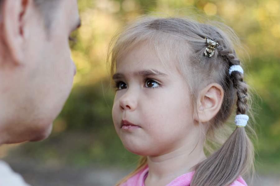 Das Eltern-Opfer-Virus und die Heilung der Opferrolle, ein Artikel von Kristina Hazler ->