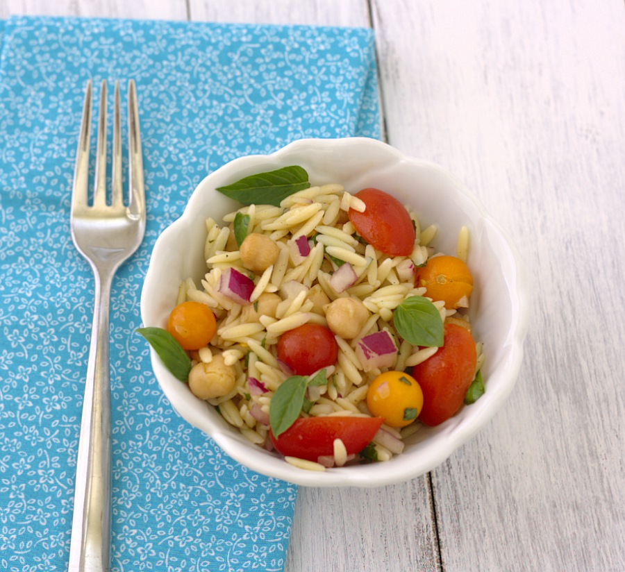 Orzo Pasta Salad with Tomatoes, Basil, and Mint - SO fresh and yummy! | Kristine's Kitchen