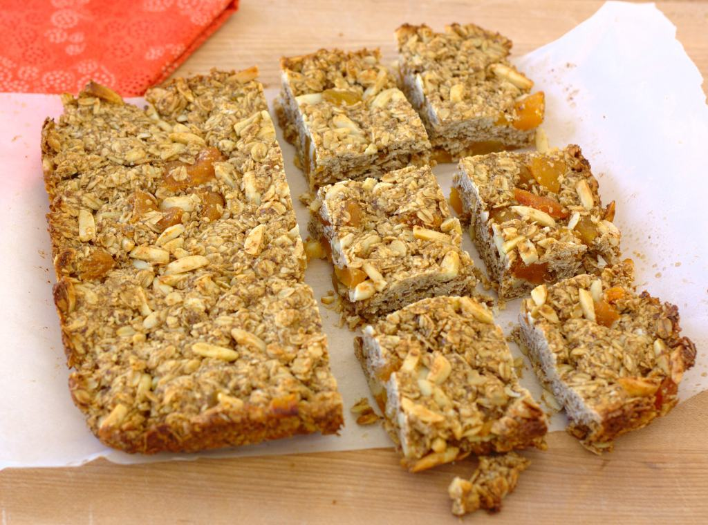 Thick and Chewy Granola Bars- a healthy homemade bar, you can easily switch up the mix-ins to make your own favorite bar! | Kristine's Kitchen