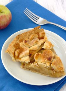 My Favorite Apple Pie, with juicy apples and a homemade crust! Perfect for your Thanksgiving or holiday meal!
