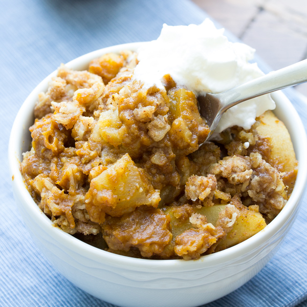 Slow Cooker Pumpkin Apple Crisp