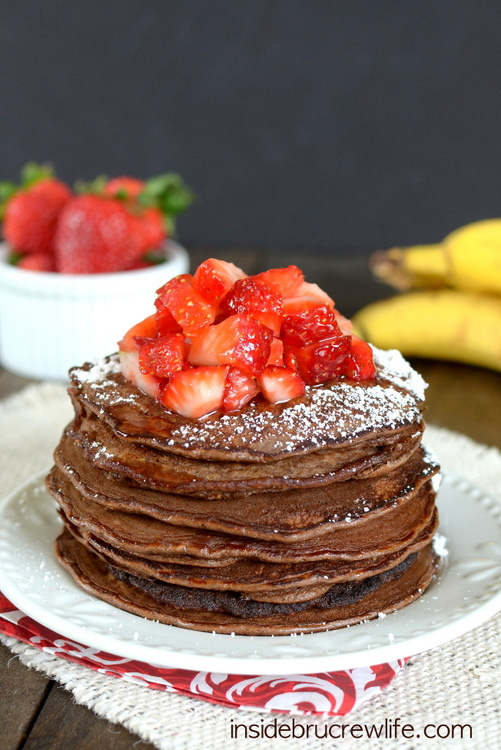 Skinny-Chocolate-Banana-Oatmeal-Pancakes-1