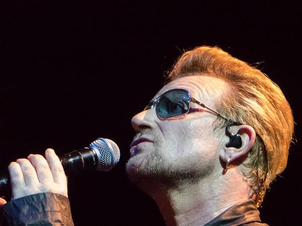 Bono singing to Iris in Dublin 23 Nov 2015