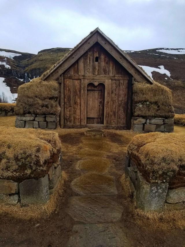 Þjóðveldisbærinn Stöng Viking settlement turf house