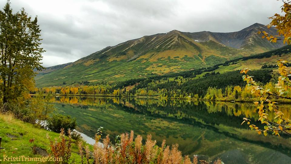 Summit Lake in Alaska #alaska #alaskalake #fallcolors