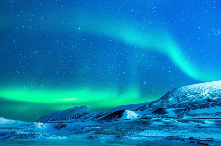 Visit Alaska during the shoulder season to see the Northern Lights #visitalaska #alaskashoulderseason #northernlights