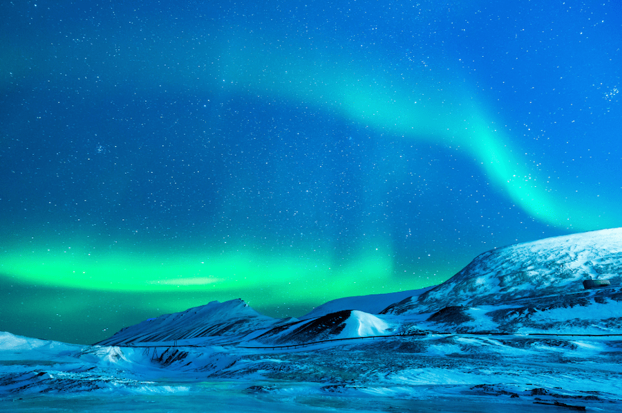 Visit Alaska during the shoulder season to see the Northern Lights #visitalaska #alaskashoulderseason #northernlights