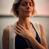 Anchoring Awareness in Breath or Heartbeat (8 minutes)