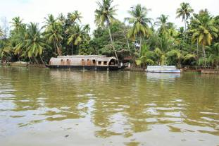 Alleppey Backwater and Houseboat