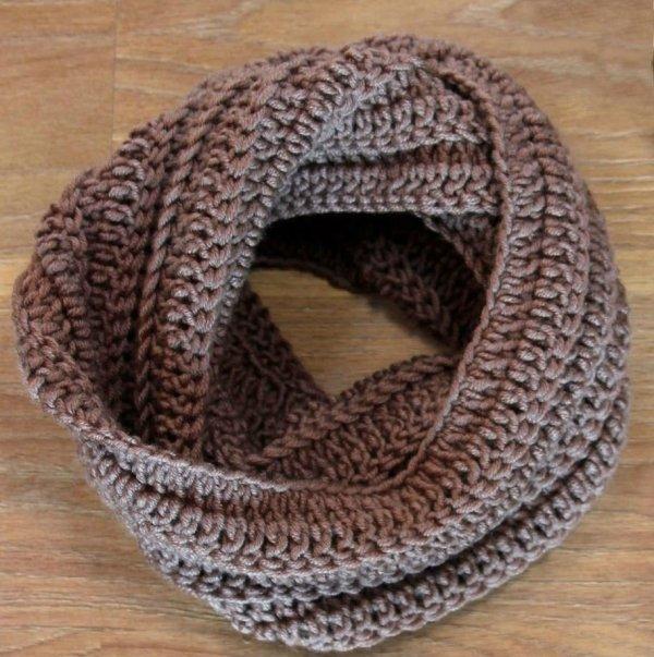 Вяжем мужской шарф крючком: 3 варианта на любой вкус