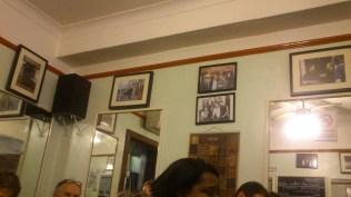 in Speedy's Cafe - klein und Englisch