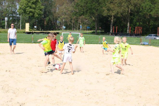 za1_voet-volleybal (4) (Groot)