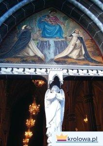 Motyw Matki Bożej Pompejańskiej na katedrze w Las Lajas