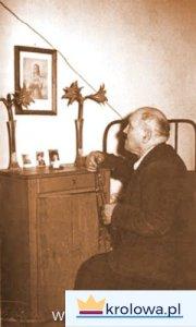 Alessandro Serenelli modli się do Marii Goretti