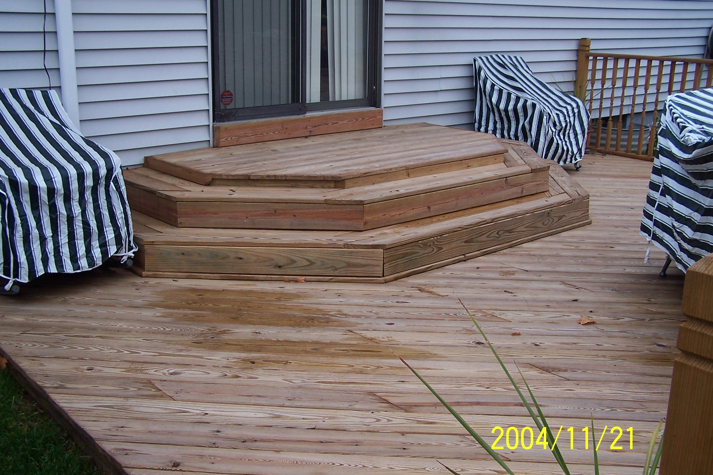 Deck Built To Perfection | House Entrance Steps Designs | Front Yard Stair | Semi Circle | Front Porch | Residential | Half Round