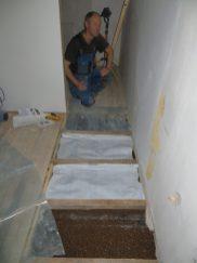 Ja, det är detta golv som måste vara på plats innan vi kan få dit trappan. Men när som helst så!