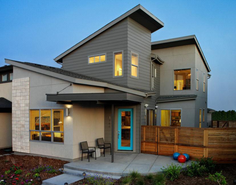 разноуровневые крыши частного дома фото контрасте белоснежным