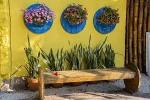 당신의 손으로 나무로 만든 가구 및 다른 제품 : 벤치, 테이블, 스윙, Birdhouses 및 기타 가정 용품의 그림 (85+ 사진 및 비디오)
