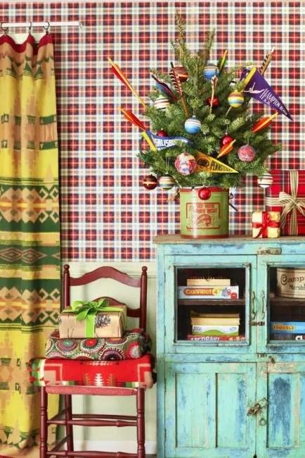 Herge - en ide om vintagebase for et lite juletre - tinn