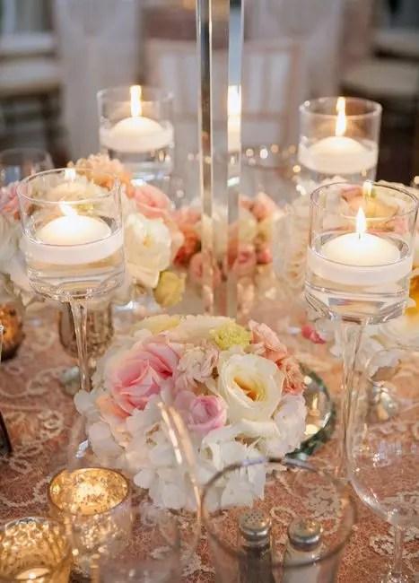 L'éclairage de mariage implique plus de sophistication, de tendresse