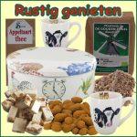 Kerstpakket Rustig genieten - thee Cadeaupakket gevuld met originele StreekSpecialiteiten - Thee Cadeaupakket - www.kerstpakkettencadeaubon.nl