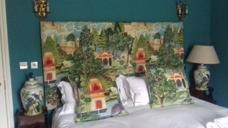 Oriental garden headboard & cushions