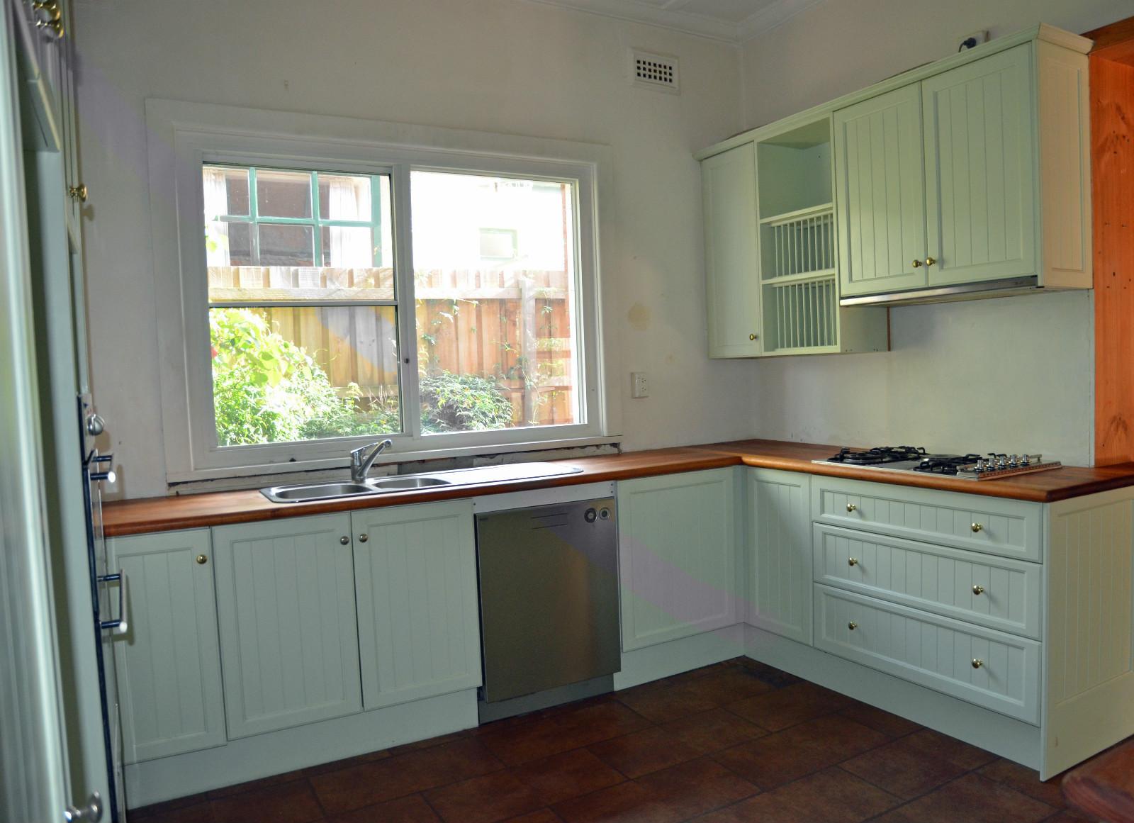 Second Hand Kitchen Krtbrunswick
