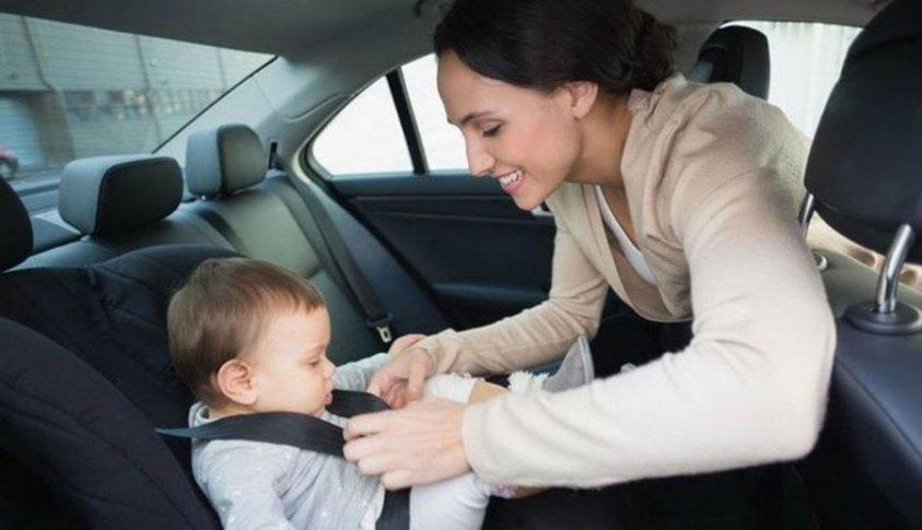 До какого возраста необходимо детское кресло в автомобиле
