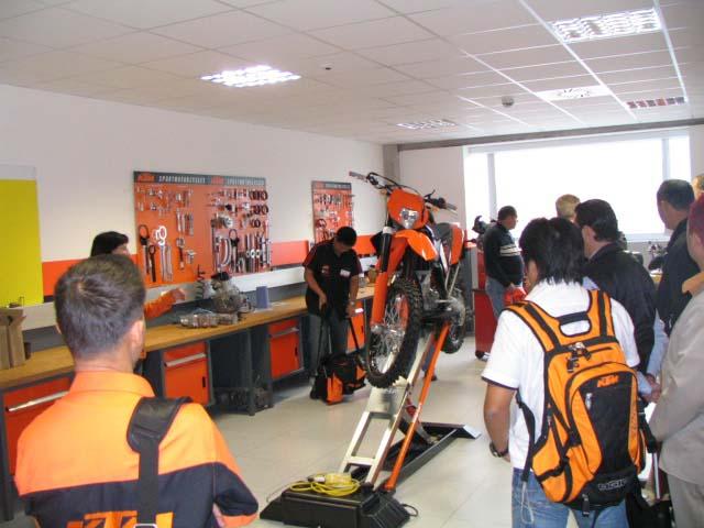 ביקור במפעל KTM
