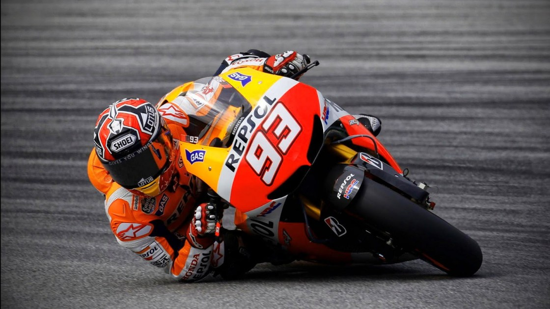 ראשו של הרוכב עונת מרוצי ה-MotoGP רכיבת מירוצים