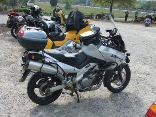 Suzuki-V-Strom-DL-1000-2003.jpg