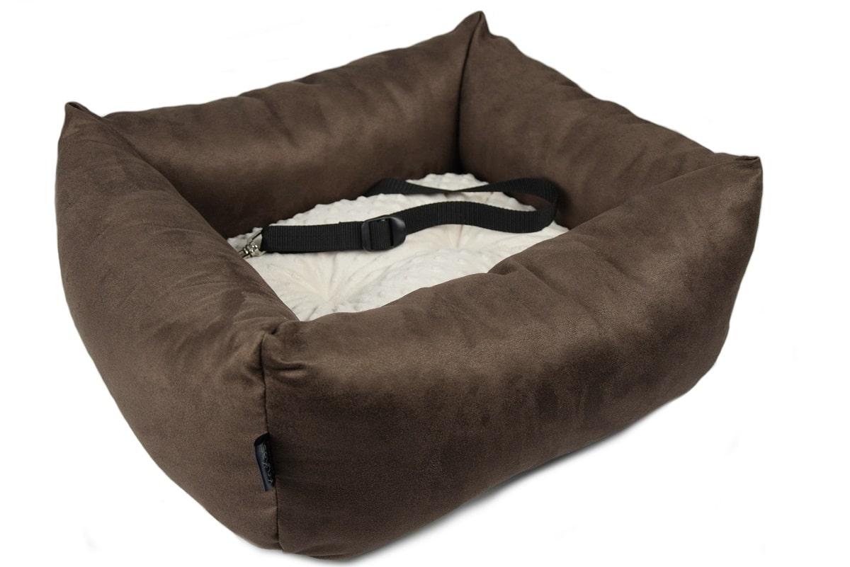 KryKas - antyalergiczny fotelik samochodowy premium dla psa - brązowy z beżową poduszką