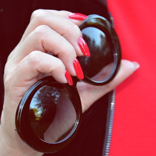rednails sunglasses today