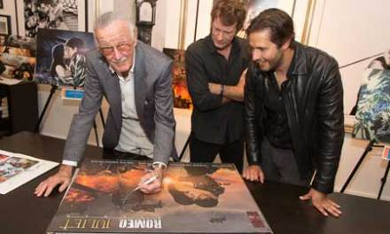 Stan Lee Sets Guinness World Record For Largest Graphic Novel