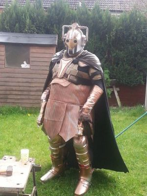 Krypton Radio's U.K. correspondent, Ralph Carr, styling (and sweating!) in his Steampunk Cyberman costume.