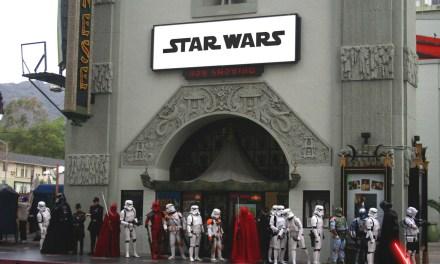 "Star Wars Fans Battle Hollywood Blvd as ""The Line Awakens"""