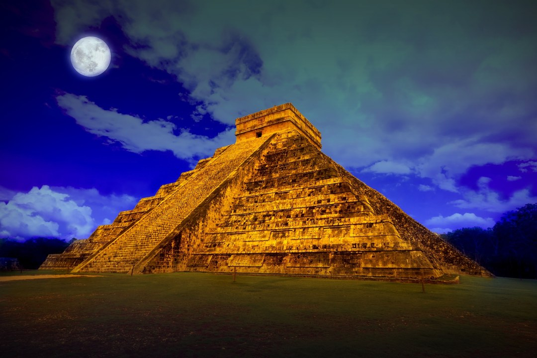 The pyramid of Kukulcan at Chichen Itza  with Krystal International Vacation Club