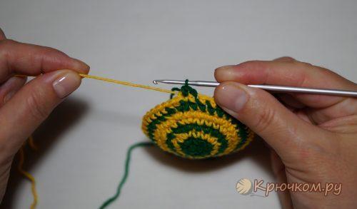 Смена нити при вязании крючком по кругу