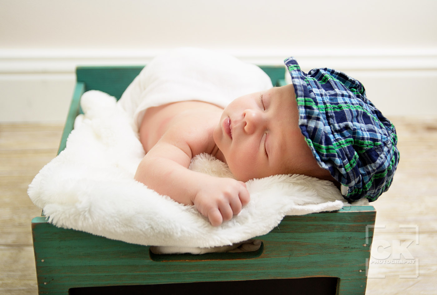 Chris Kryzanek Photography - newborn with cute hat