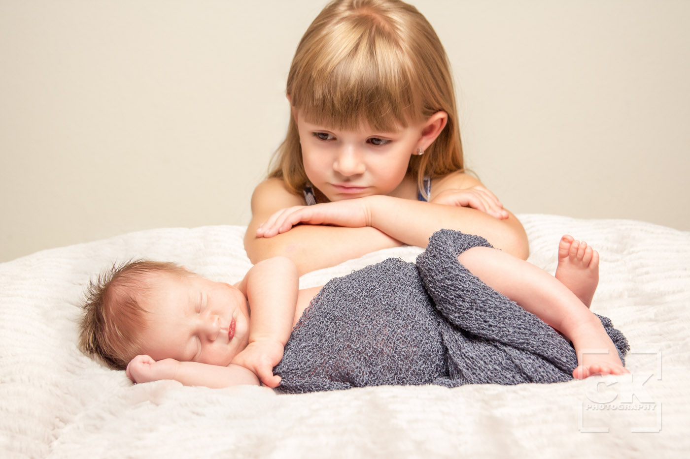 Chris Kryzanek Photography - newborn with sister