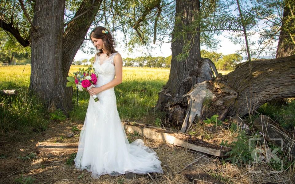 Chris Kryzanek Photography - Bride with bouquet