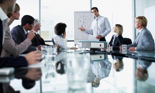 外国語に強いスタッフに特化