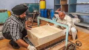 Seifenmanufaktur: Seifenherstellung aus Pflanzenölen