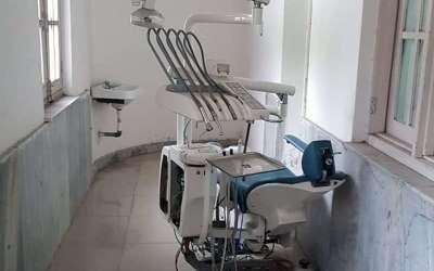 Zahnarztstuhl in Kirpal Sagar angekommen